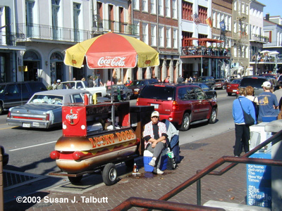 [Lucky Dog cart on Decatur St., December 2003]